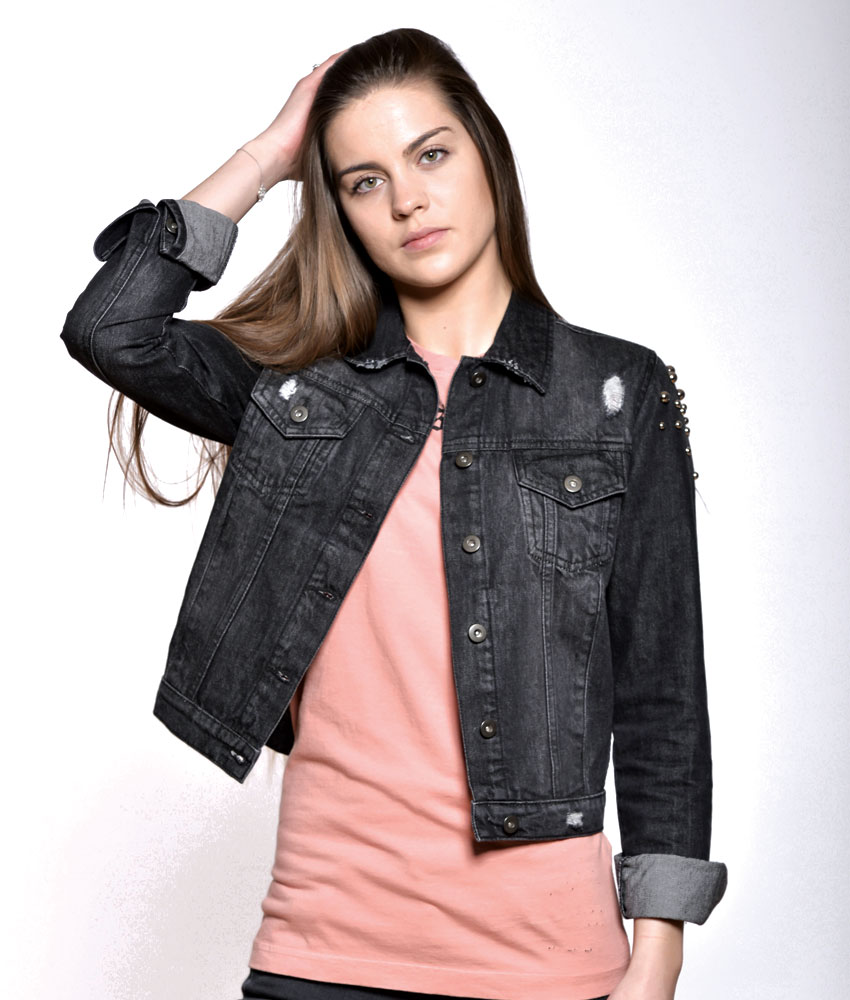 Veste en jean noir a clou femme