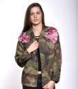 veste-militaire-camouflage-oversize-petales-rose-satin-handmade